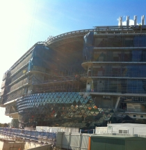 The facade of SAHMRI is emerging - 28 May 2013